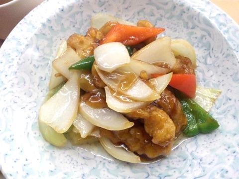 酢豚定食の酢豚