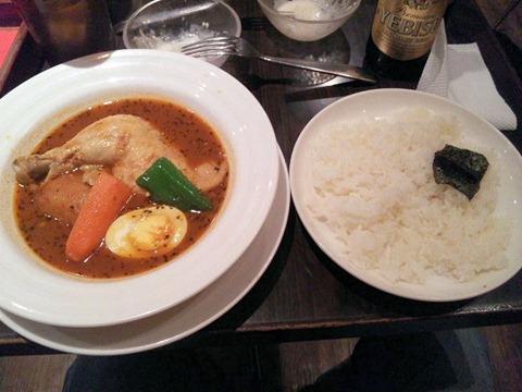 スープカレー「心」骨付きチキンのスープカレー