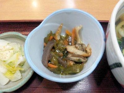 喜両由串カツ定食の小鉢