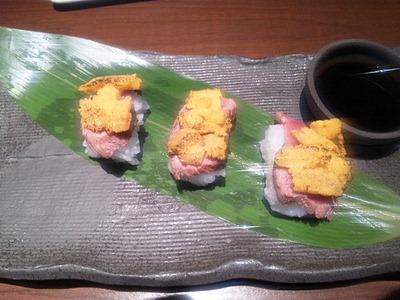 KI・CHI・RI雲丹と牛フィレの炙り寿司