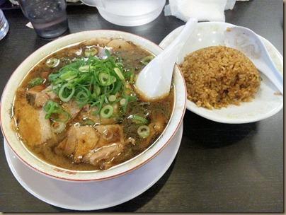 新福菜館/ロックシティ姫路店焼き飯定食