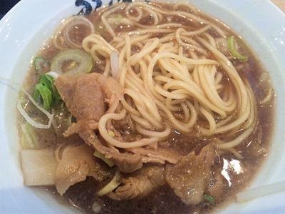 徳島らーめんふく利ハーフラーメンの麺
