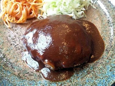 炭火焼肉みきやハンバーグ定食のハンバーグ