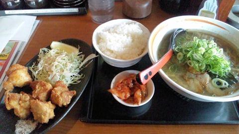 らーめん八角/加古川店唐揚げ定食半麺こってり