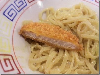 もんどカレーつけ麺『マハラジャ』の麺とロースとんかつ