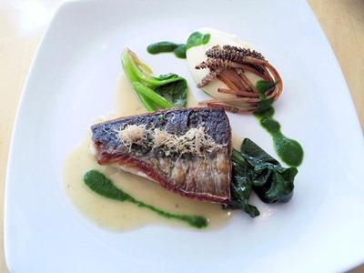 ベネッセハウス/テラスレストラン海の星ランチコースのメイン料理