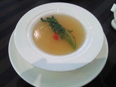 桃李クレソン入りふかひれスープ