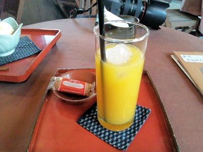 茶寮おおみやけマンゴージュース
