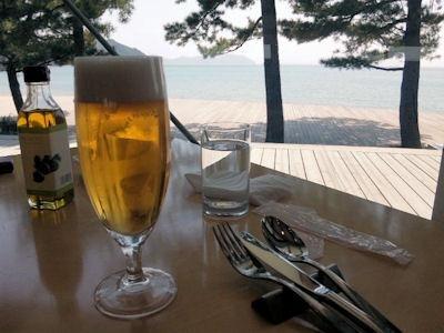 ベネッセハウス/テラスレストラン海の星アサヒ特選プレミアム生ビール