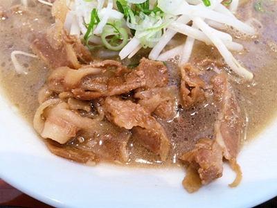 徳島らーめんふく利の徳島ラーメンの豚バラ肉