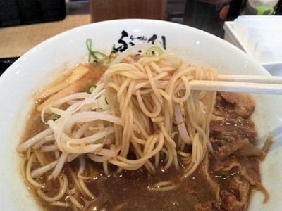 徳島らーめんふく利の徳島ラーメンの麺