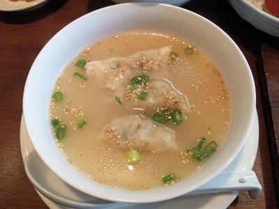 播州餃子・賀古里/賀古里餃子定食のスープ餃子
