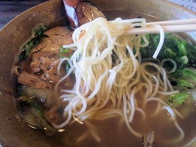 らーめん満天/播磨町店のらーめんの麺