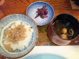 生州割烹輝髙ちりめんご飯と赤出汁
