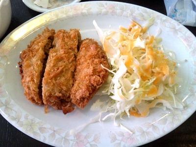新福菜館火曜日限定ワンコインランチのミンチかつ