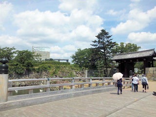 姫路城天空の白鷺見学ツアー_城門前の渡り橋
