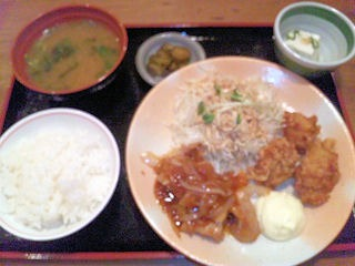 街かど屋/唐揚げと豚生姜焼き定食