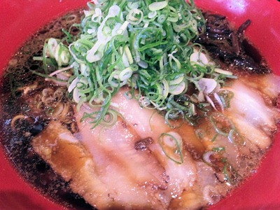 らぁ麺コスモ。コスモ。ブラックのスープ