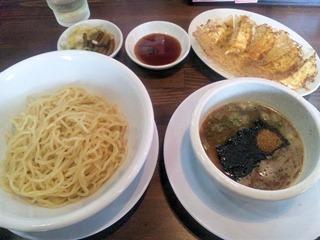 ばり馬姫路大塩店馬つけ麺と無料の焼餃子