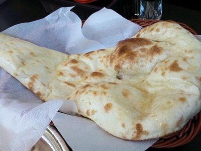インド・ネパール料理パシュパティ/スシルセットのナン