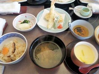しゃぶしゃぶ・日本料理木曽路/妻籠の揚物と茶碗蒸し