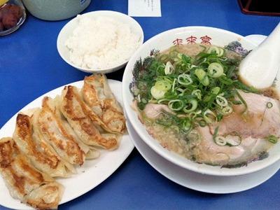 ラーメン来来亭明石西インター店ジャンボギョーザ定食