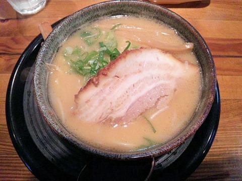 京風ラーメンめんくい亭ミニミニセットのミニとんこつ醤油ラーメン