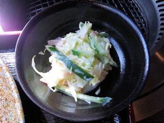 炭火焼肉みきや日替りサービス(トンカツ)定食の小鉢