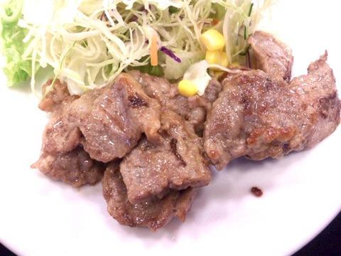 松屋中落ちカルビステーキ定食の肉