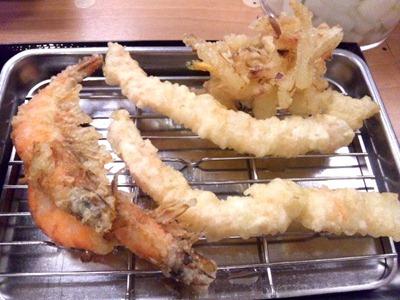 天ぷら定食まきの海老づくし天ぷら定食のやわらか海老の薄衣揚げと海老の天ぷら
