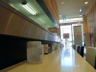 ごはんどき・エムズ キッチン加古川店の店内