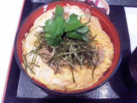 ごはんどき・エムズ キッチン名古屋コーチン親子丼