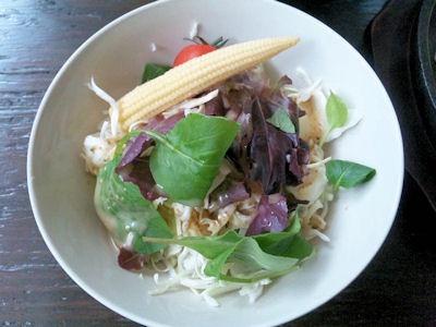 グリルKATE【カテ】国産牛ステーキランチSETのサラダ