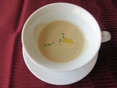 エトワール週末限定ランチコース本日のスープ