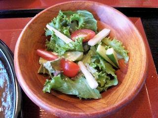 町家カフェ太郎茶屋鎌倉/彩り野菜カレーランチのサラダ