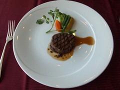 エトワール週末限定ランチコース国産牛フィレ肉のグリエトリュフのソース