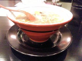 鶏専門らー麺しぇからしかかしわ亭淡麗鶏醤油ラーメン