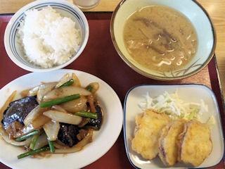 加古川北在家食堂豚と茄子の味噌炒め-さつまいもの天ぷら-豚汁