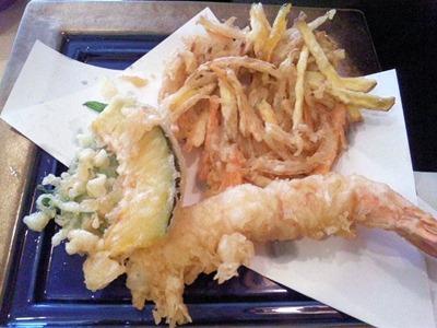 たかさご本家磯香る緑三昧のおうどんの天ぷら盛合せ