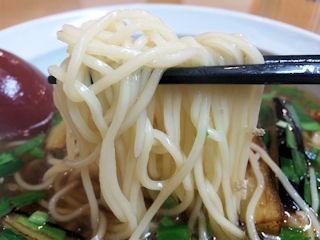 中華キッチンShuさん台湾ラーメンの麺