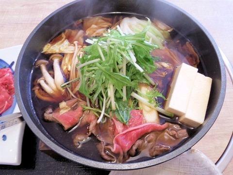 月の庵すき焼き牛鍋ランチ