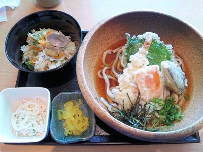 せらび亭日替り定食あさりのたき込みごはん天ぷらぶっかけうどん