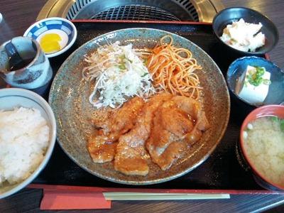 炭火焼肉みきや日替りサービス(生姜焼)定食