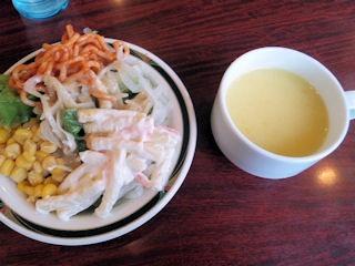 ステーキけんのサラダとスープ