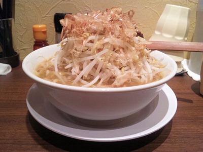 ひかり製麺堂ドカ盛り醤油ラーメン