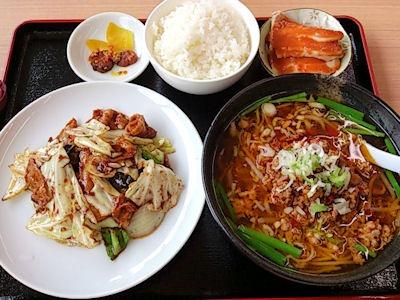 台湾料理豊源日替りランチ台湾ラーメンとホイコーロ