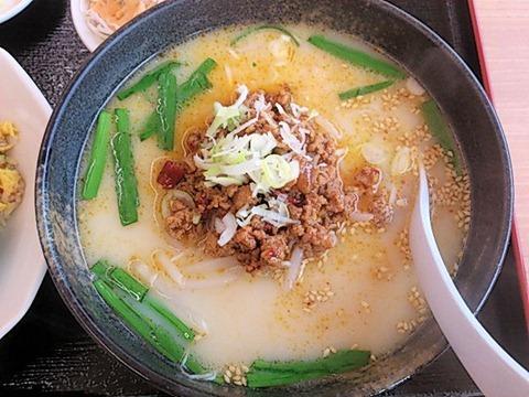 台湾料理豊源麺飯セットの台湾豚骨ラーメン
