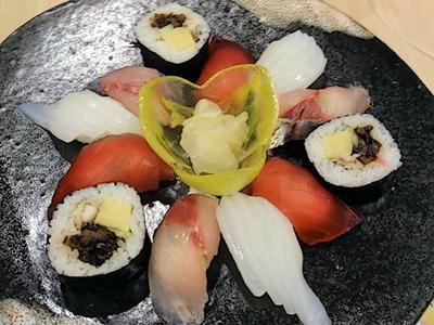 和ごころ万彩山海ちゃんこコースの上にぎり寿司3貫
