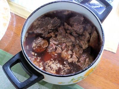 2014年元旦の日の集いの料理牛すじ煮込み