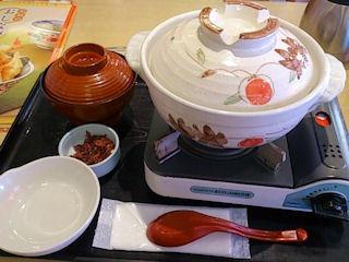 和食さと和風だしの鍋焼きラーメン